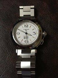 カルティエパシャもらいました。 箱も説明書もありません。 この時計は手動巻き?それとも フルフル振ればいいの? 従姉妹(元持ち主)に聞いても 忘れた〜で終わっちゃいました。 カルティエにお詳しい方 よろしく...