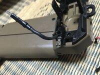 東京マルイスカーL のバッテリーからくる内部の線なのですが、ヒューズが切れ交換してもなんども切れるので開けて見てみたのですが 劣化で小さい穴が開いておりプラスマイナス接触しており、シ ョートを起こして...