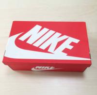 ZOZOTOWNや楽天で靴(スニーカー)を購入するのその靴の箱はついてきますか? ナイキでいうこんなやつです↓