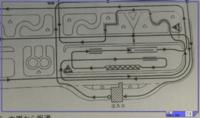 大型自動二輪 1発試験 ウィンカーの出し方  画像の出発点からの本線へのウィンカーの出し方は、左ウィンカーで直角に入り、センターラインに寄せ、すぐに右ウィンカーで右折でしょうか? 詳しい方のご教授をお待ちしております。