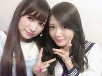 女性から見ればこの2人どちらが美人・かわいいですか???      NMB48吉田朱里(←) 乃木坂46白石麻衣(→)