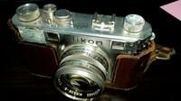 NIKONのカメラ  倉庫を整理していたら、かなり古いNikonのカメラが出て来ました  本体:NIPPON KOGAKU TOKYO 60910249 レンズ:NIKKOR-S・C 1:1.4 f=5cm NIPPON KOGAKU JAPAN No.324492  社名から1945年~50年くらいのNIKONの前進のNIPPON KOGAKU TOKYO製かと思われます(カメ...