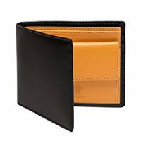 エッティンガーの二つ折り財布が欲しいのですが、ブライドルレザー、カーフレザーならどちらのほうがいいですか? 内側の色もイエロー、ターコイズ、レッドで迷っています。安いものではないのでできれば長く使えるものがいいです。