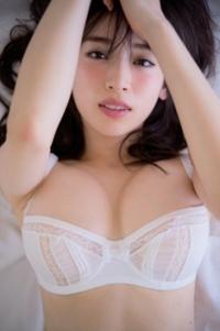 泉里香さんの写真集は、買っても損は、しませんか?