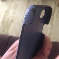 miumiuの修理について。 iPhoneカバーが禿げてしまいました。 こちらはmiumiuに持っていけば修理してもらえますか?ギャランティーカード、保証書などあります!  わかる方よろしくお願いします。