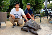 【動物園】陸亀アブーついに発見される!!懸賞金50万円!!  (渋川動物園)  とにかく、見つかって良かった・・。 (о´∀`о)  ただ、「フン一つ」見つからなかった大型陸亀が、懸賞金50万円が発表された直後に...