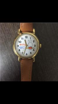 こちらのミッフィーの腕時計、どこかで売ってるところ見た!とかこのサイトにあるよ!とか少しでもわかる方いらっしゃいませんか??( ; ; ) 本当に大切なもので、もう一度手に入れたいんで す。 どうかお力...