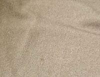 レーヨンナイロンの服を ジーユーで買ったのですが 汚れがついてしまいました 洗濯という選択は間違ってると 聞いてますし クリーニングという 贅沢な選択はできないので   どうにか汚れを落とすのを 詮索しております。  よろしくお願い致します。
