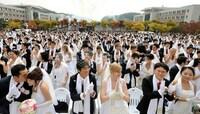 統一教会は韓国でどんな団体なんですか? 日本ではどんなものなのでしょう。 統一教会以外のプロテスタント・カトリックの人は統一教会の事をどう思っているのですか お互い対立しているのでしょうか? 霊感商...