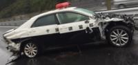 パトカーの単独事故を撮影した人がいたのですが、 こういう場合、事故を起こした警察官はどのように事故処理や事故報告するのですか?