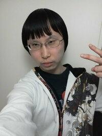 イケメンで困ってます。日本の女の子は照れ屋さんなので、俺を見るたびキャーキャー言って何処かに行ってしまいます。 俺みたいな完璧な人間は恋愛に向いてないのでしょうか? 俺みたいに勉強 もできて、イケメ...