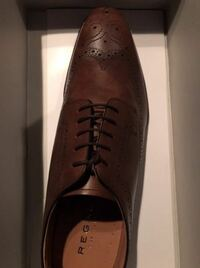 この靴を買いました。 何と合うと思いますか? ビジネススーツ  礼服 スラックス 上はジャケット ベージュ チノパン 上はカジュアル ジーンズ ネイビー ジーンズ 水色 ジーンズ ベージュ ジーンズ ブラック ジー...