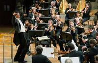 佐渡裕氏がベルリン・フィル公演でタクトを振ったショスタコーヴィチ交響曲第5番は、演奏としての出来はどう評価されますか???  皆さまのご意見をお聞かせください。