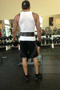 上半身マッチョなのに下半身ヒョロヒョロが多く感じます 上半身に比べて下半身の筋肉というのは鍛え辛いものなのでしょうか?