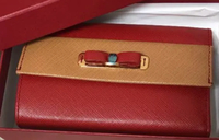 フェラガモの財布  このお財布は本物でしょうか? すごく可愛いのですが検索しても同じ物が出てこなくて 悩んでいます  よろしくお願いしますm(_ _)m