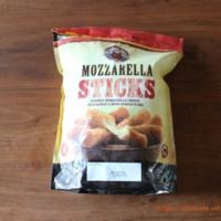コストコで、モッツァレラチーズフライを買ってみました。 が、何も美味しくないので、アレンジして美味しく食べる方法教えてほしいです。  小分けしてしまったので、元の袋は捨てたから返品なしでお願いします
