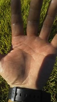 手相について質問です。  写真の人差し指の付け根にあるのは ソロモンの環ですか?