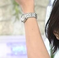 近江友里恵アナがあさイチで付けてる時計のブランドを教えてください。