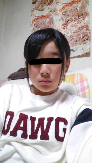 出 てる 髪型 頬骨