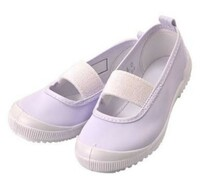 上履き 上靴 体育館シューズ バレーシューズは同じ?  明日、子供と室内でのイベントに参加する予定で、 【お子さまは運動靴かバレーシューズでお願いします。】と記載がありました。 私は 、現在プレで子供...