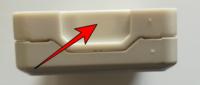 露出器具はVVFケーブルが通る部分は自分でニッパーか何かでケーブルが通る分を半円分くらい削る(開口)するんですよね? メーカーさんはなぜ最初から削ってくれていないのか? 露出コンセントや露出スイッチなど。 ニッパーでゆっくり削ってたら器具が割れましたよ。