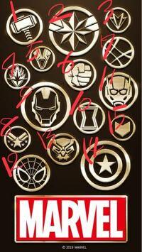 アベンジャーズです。 どれが誰のシンボルマークなのかわかりません。 それぞれのマーベルヒーローのマークを教えてください。