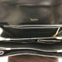 ブランド名が分かりません こちらのバッグのブランド名どなたか教えてください(><)
