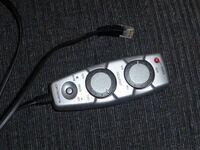 カロッツェリアのコントローラーですが(写真参照) これが備わっているサブウーファーであれば、ハイローコンバーターを選ぶ際にゲイン調整機能が無くても大丈夫ですか?  つまりは、サブウーファーにコントローラーが付いていればゲイン調整機能付きのハイローコンバーターが要らないのかどうか知りたいです。