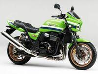 大型バイクで盗難に合いやすい車種はなんですか。 ハヤブサとかR1とかZ900RSとかCB1300SFとか。 MT09とかNC750とかSV650とかニンジャ650とか。 ハーレーにドゥカティにKTMに。 Z1とかGPZ900Rとかゼファー1100とかいろいろありますが。 大型バイクで盗難に合いやすいバイクといえばなんですか。  と質問したら。 モンキーとスーパーカブとCBX40...