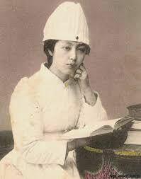 大正時代の看護婦さんについて 大正時代の看護婦の服装について調べています。 それぞれの病院によって服装は変わると思いますが、このように帽子を被っているのは赤十字のみでしょうか? あともうひとつ、このよ...