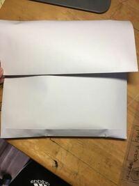 らくらくメルカリ便のネコポスで発送する際、A4の封筒をこのような感じだ折っても大丈夫でしょうか?