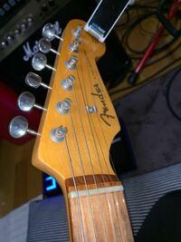 フェンダーのストラトのナットに1052の弦は 張れますか? 1046なら普通に入ったのですが、、