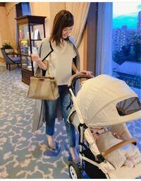 Instagramで萩中ユウさんが着用されていたグレーの春コートはどこのブランドのものか知りたいです !!  バッグもどこのブランドのものか知っている方いらっしゃいませんか? よろしくお願いします!