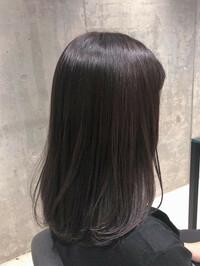 看護学生の髪色について質問です。 こんな質問山ほどあると思うのですが、画像を見て客観的に判断していただきたいので投稿しました。  ズバリ、この髪色はセーフなのでしょうか?   また 、セーフな髪色をご存知の方は教えてください(出来れば画像と共に)。  ※地毛や自然な黒髪、1〜5トーンが基準というのはわかりきっているので、それ以外でアドバイス願いますm(_ _)m