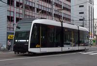 札幌市電の最新車両はカッコいいと思いませんか?