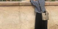 写真のショルダーバッグが、どこのブランドの物か分かる方いらっしゃいませんか?  ご存知でしたら教えて下さい。  よろしくお願い致します。
