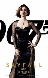 「007スカイフォール」で ボンドガールが ナオミ・ハリスは味方で、ボンドとの絡みがなく、  ベレニス・マーロウは、とても魅力的ながら 直ぐに死んでしまう。 これでは、 作品そのものの味気が激減してしまって、 ガックリだったと思いませんか?