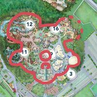 ディズニーランドの上空から見た地図がミッキーの顔に見えるのは私だけですか?