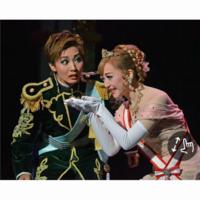こちらの公演名がわかりません。 また左は礼真琴さんで、右の娘役さんは誰でしょうか?