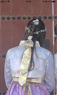 チマチョゴリを着たときなどにつけられるこの髪飾りの名前はなんですか?