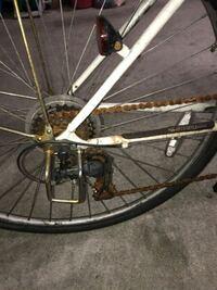 自転車のサビが目立つので修理?クリーニング?に出したいと思うのですが大体いくらぐらいかかるものなのでしょうか