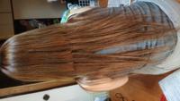 至急 エクステを先日付けたのですがクラゲになりました。昨日電話かけたら毛量多くするか、ブラシの毛が多いやつで梳かすかどちらかと言われました。あまりにも酷くて外に出たくないレベルなので…1万以上出して100g 付け放題でやりました。 今日あたり40gくらいまたつけようかなと思うのですがどうですかね?  それとも地毛をすいたほうがいいのですか?