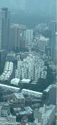 六本木ヒルズの展望台から見えたマンション? この建物はなんですか?