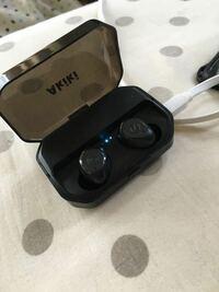 Bluetoothイヤホンが片方しか聴けません どーすれば良いでしょうか?