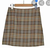このスカートのプリーツが入っているものが売っているサイトなどはありますか?