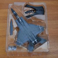 イージーモデルのF15ダイキャスト飛行機  お世話になります。 イージーモデルのダイキャスト製F15は子供のおもちゃみたいにチャチイのでしょうか?  宜しくお願い致します。