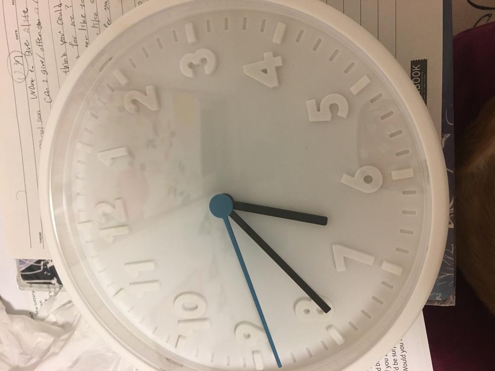 オリジナルの壁掛け時計を作りたくて、 IKEAでstommaを買ったのですが、 どうやって分解するか教えていただけますか?