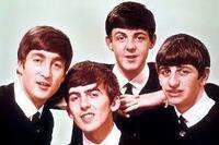 さあ!ビートルズのジョンとジョージが神様から一日だけ生き返ることを許されて、 ビートルズが勢ぞろいして10曲だけ(アンコール1曲を含めて)のミニ・ライブをすることになりました! あなたなら、どんな曲を...
