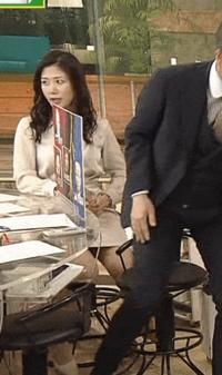 【画像】桑子真帆アナ。お股の中が見えてしまいましたね。。大股開きの瞬間を撮影したカメラマンは左遷されますか?カメラさんが心配です。。。大丈夫かしら?