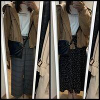デートの服装で迷っています。博物館にデート行きます。大学生です。どっちのコーデどちらがいいと思いますか?ちなみに靴はマーチンの3ホール履きます。